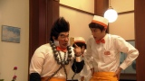8月14日放送、NHK総合『LIFE!〜人生に捧げるコント〜』コント「とどろけ!ファミレス塾」より。中川大志(右)がコント初挑戦。内村光良演じる新キャラ(左)にも注目(C)NHK