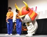 礼儀正しいひこにゃん(右)=映画『トリガール!』の頑張りガール集合イベント (C)ORICON NewS inc.