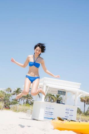 武田玲奈2nd写真集『rena』誌面カット(C)阿部ちづる/週刊ヤングジャンプ