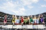 『ももクロ夏のバカ騒ぎ2017 -FIVE THE COLOR Road to 2020- 味の素スタジアム大会』を開催したももいろクローバーZ(Photo by HAJIME KAMIIISAKA+Z)