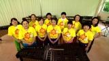 日本テレビ系『24時間テレビ 40』でイッテQ!女芸人軍団+水トアナと、ろう学校の子どもたちが、コンビネーションマリンバに挑戦 (C)日本テレビ