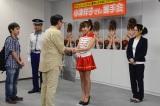 アイドル時代の握手会シーン(C)テレビ朝日
