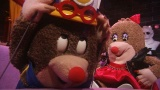 顔出しNGだから言える赤裸々人形トーク番組『夏の終わりの、ねほりんぱほりん』総合テレビで9月1日放送(C)NHK