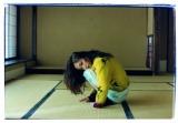 『InRed』9月号でPRADAの新作をまとった永作博美