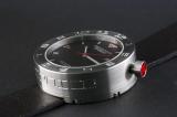 ボリューミーなダイヤルデザインが特徴のイタリア時計ブランド「MECCANICA GREZZA(メカニカ・グレッザ)」が日本上陸。写真は看板モデルの「MG01 44S BK-BK 44mm 自動巻き」