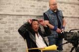 『笑いの勇者』(フジテレビ系)で渾身の即興芸を披露するロバート・秋山竜次(C)フジテレビ