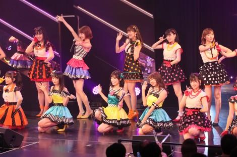 HKT48ひまわり組&AKB48チームBが合同公演(C)AKS