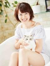 カンテレの女子アナカレンダー「ねこ・アナ」が発売に(写真は高橋真理恵アナウンサー)