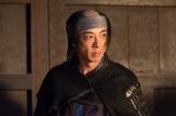 徳川の先導役を務めていた近藤康用の思わぬ罠に、直虎と政次は窮地に立たされることに(C)NHK