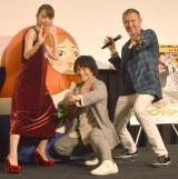 (左から)内田理央、ジャッキーちゃん、 レニー・ハーリン監督 (C)ORICON NewS inc.