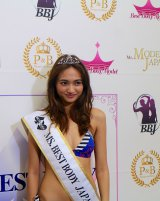『ベストボディ・ジャパン2015日本大会』で総合優勝に輝いた10頭身モデル香川沙耶