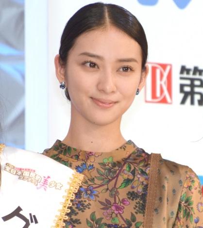 第15回『全日本国民的美少女コンテスト』にゲスト出演した武井咲 (C)ORICON NewS inc.