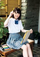 『週刊ヤングマガジン』39号に登場する欅坂46・小池美波 (C)藤本和典/ヤングマガジン