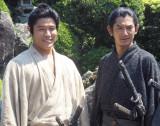 (左から)鈴木亮平、瑛太 (C)ORICON NewS inc.