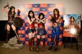 映画『ワンダーウーマン』の大ヒット記念イベントに出席した尼神インターの誠子と渚、AYA
