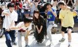 市井由理(中央)がMAGiC BOYZの初アルバムリリースイベントにゲスト出演