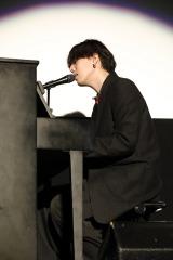 主題歌「BANKA」を生歌唱したillion=映画『東京喰種 トーキョーグール』の公開記念舞台あいさつ