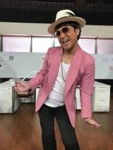 9月18日放送、NHKのコント番組『LIFE!〜人生に捧げるコント〜』にムロツヨシの新キャラ「ムローノ・ マーズ」が登場(C)NHK