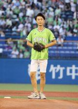 東京ヤクルトスワローズ-横浜DeNAベイスターズ戦の始球式を務めた氷川きよし