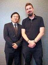 Netflixオリジナル映画『Death Note/デスノート』(左から)プロデューサーのマシ・オカ氏、アダム・ウィンガード監督 (C)ORICON NewS inc.