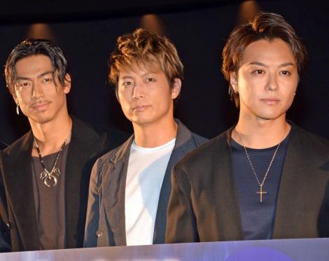 劇場版『HiGH&LOW THE MOVIE 2 END OF SKY』の大ヒット御礼舞台あいさつに登壇した(左から)AKIRA、黒木啓司、TAKAHIRO (C)ORICON NewS inc.