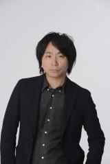 『新潮』と「Yahoo! JAPAN」スマホサイトで新作『キュー』を同時連載する上田岳弘氏
