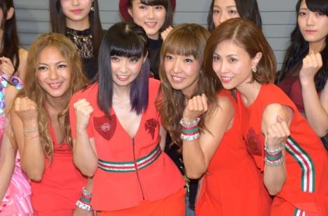 MAXの(左から)LINA、MINA、REINA、NANA=「ライジングガールズフェス」ライブ前囲み取材 (C)ORICON NewS inc.