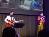 「LIVESプロジェクト」テーマ曲をライブで披露するつんく♂と歌手のBeverly (C)ORICON NewS inc.