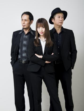 舞台『ろくでなし八犬伝』に出演する(左から)平野勲人、藤江れいな、長戸勝彦