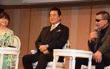 『2017年 第15回グッドエイジャー賞』授賞式に出席した(左から)岩崎宏美、高橋英樹、蝶野正洋 (C)ORICON NewS inc.