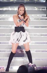 デビュー25周年の安室奈美恵が故郷・沖縄で凱旋ライブを開催