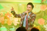 TBS『歌のゴールデンヒット オリコン1位の50年間』で歌唱する郷ひろみ(C)TBS