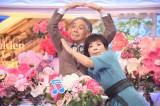 TBS『歌のゴールデンヒット オリコン1位の50年間』の収録で往年のコンビを組んだ(左から)堺正章、榊原郁恵(C)TBS