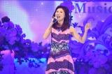 TBS『歌のゴールデンヒット オリコン1位の50年間』で歌唱する小林明子(C)TBS