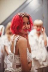 パリでファッションショーを行うモデル・デザイナーのikumi