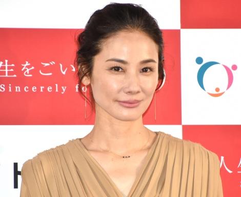 安室奈美恵の引退発表にショックを語った吉田羊=『トヨタホーム新CM発表会』 (C)ORICON NewS inc.
