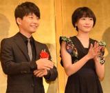 ドラマ『逃げるは恥だが役に立つ』に出演した(左から)星野源、新垣結衣 (C)ORICON NewS inc.