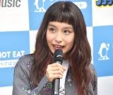"""新曲にアイス食べられた""""恨み""""込めたと語ったトミタ栞 (C)ORICON NewS inc."""
