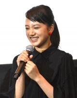 映画『ユリゴコロ』初日舞台あいさつに出席した清原果耶
