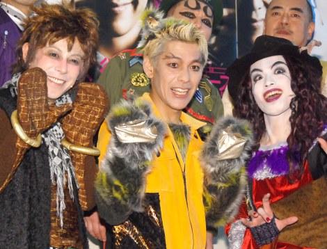 舞台『懲悪バスターズ』の取材会に出席した(左から)OH-SE(電撃チョモランマ隊)、田村亮(ロンドンブーツ1号2号)、鈴木勝吾 (C)ORICON NewS inc.