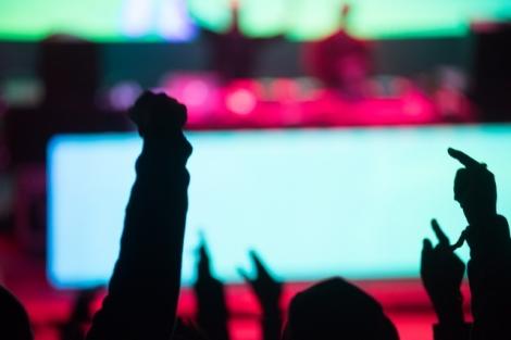 ライブの楽しみ方は色々ある その説明を英会話にしてみよう(写真はイメージ)