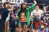 3人ユニット「kissの天ぷら」でベスト4に入った(左から)大家志津香、北原里英、宮崎美穂 写真:estudio pepe 神田有希