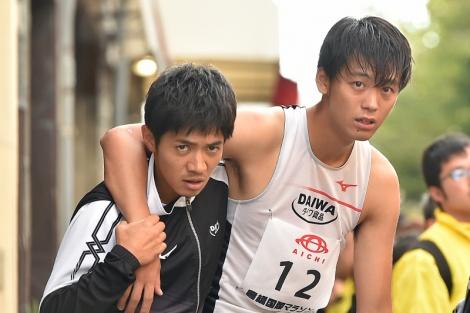 日曜劇場『陸王』に出演する(左から)和田正人、竹内涼真