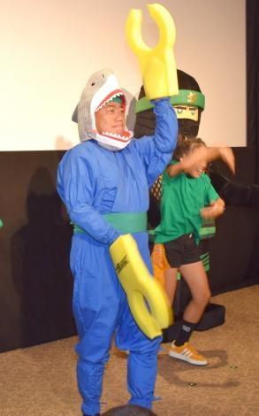 退院後初公の場で、いきなりダンスを披露した出川哲朗=『レゴ ニンジャゴー ザ・ムービー』の公開直前イベント (C)ORICON NewS inc.