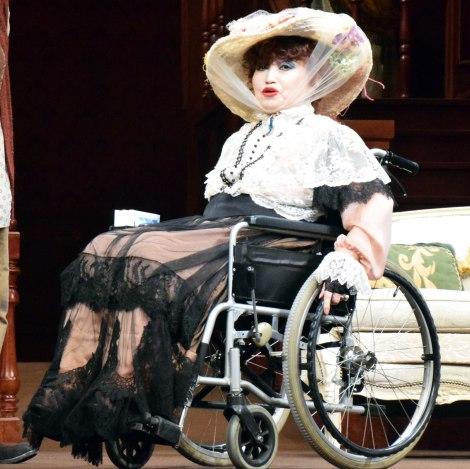 車いすでフォトコールに登場した黒柳徹子=舞台『想い出のカルテット』のフォトコール (C)ORICON NewS inc.
