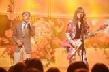 ムッシュかまやつの「我が良き友よ」を熱唱する堺正章と高見沢俊彦 (C)TBS
