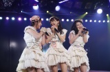 AKB48劇場で開催された『木崎ゆりあ卒業公演』の模様(C)AKS