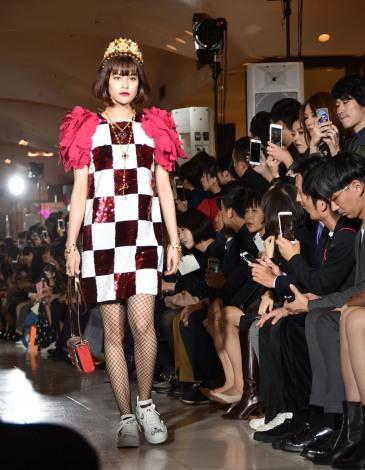ファッションショーに出演したemma (C)ORICON NewS inc.