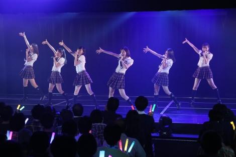 M1「強き者よ」(1期+2期+佐藤すみれ)=『SKE48劇場デビュー9周年特別公演』(C)AKS