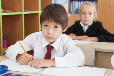 子どもの英語教育を行う上でのメリット・デメリットを紹介する(写真はイメージ)